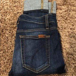 Joes Mid-Rise Skinny size 27 jean
